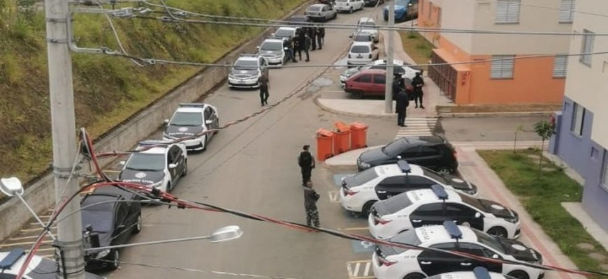 Polícia Civil faz operação contra facção criminosa em Barra Mansa