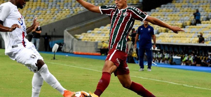 Fluminense estreia com derrota no Campeonato Carioca