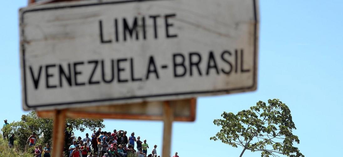 Dois militares venezuelanos desertam na fronteira com o Brasil