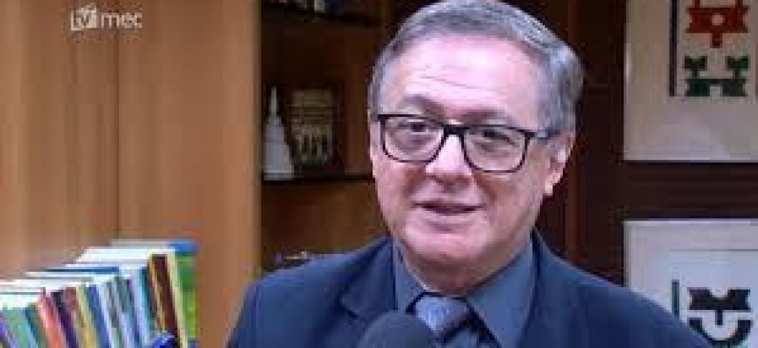 Vélez Rodriguez é demitido e Bolsonaro anuncia novo ministro da Educação
