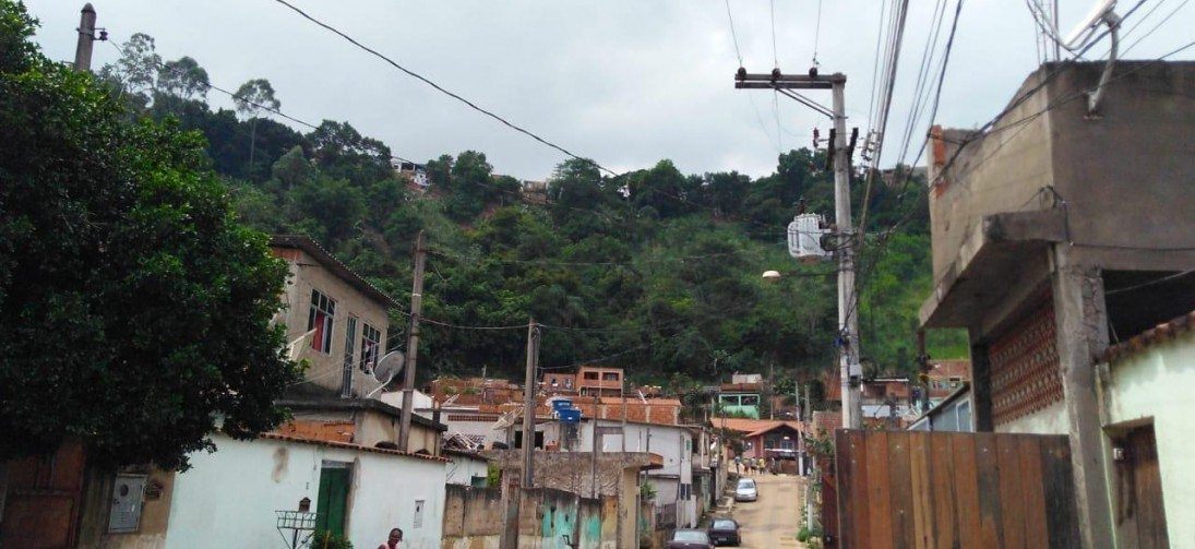 Defesa Civil interdita 30 casas no bairro Paraíso de Cima, em Barra Mansa