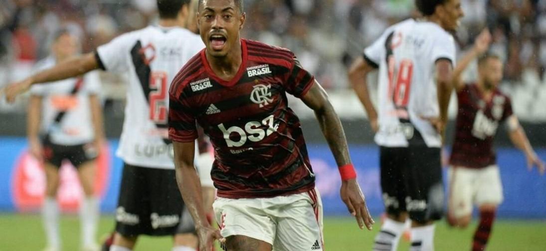 Flamengo vence o Vasco 2 x 0 e fica mais perto do titulo