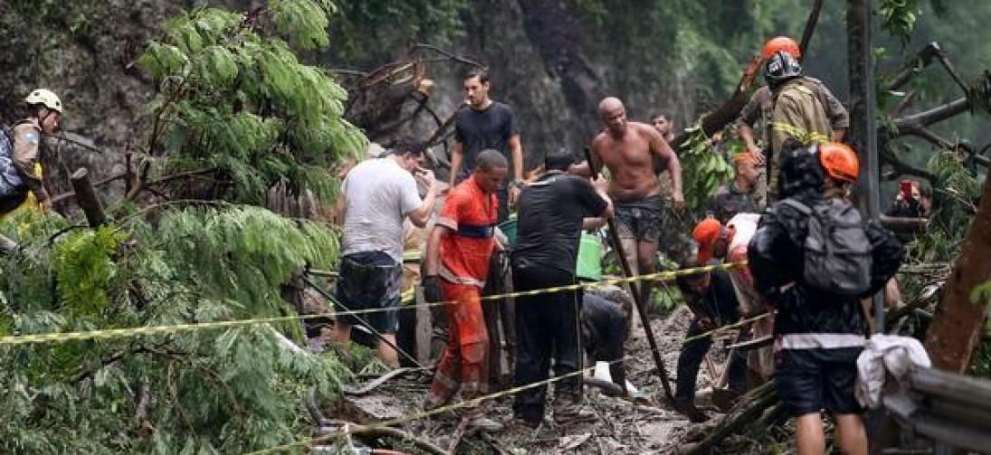 Sobe para oito número de mortes pelas chuvas no Rio
